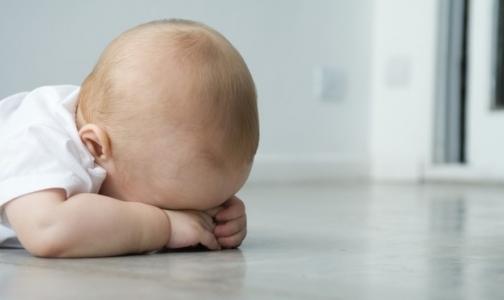 Фото №1 - Из-за спешки хирурга младенец получил ожог лица во время электрокоагуляции