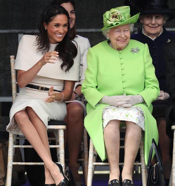 Королева Елизавета II с Меган Маркл