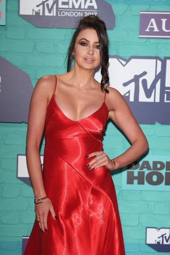 Фото №22 - Премия MTV EMA: лучшие звездные образы за всю историю