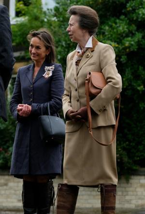 Фото №3 - Единственная дочь Королевы: почему мы так редко видим принцессу Анну вместе с Елизаветой