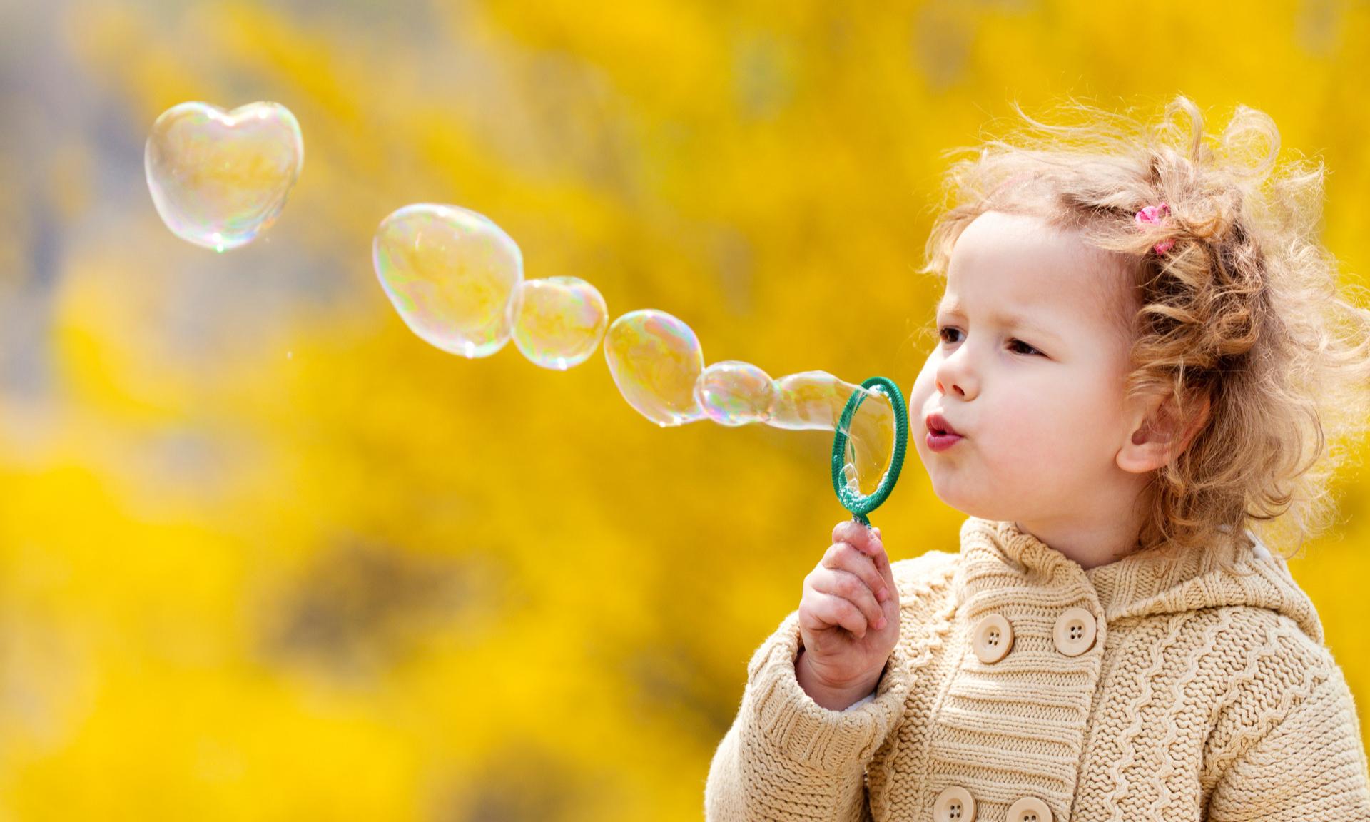 Почему мы не помним свое детство, а дети забывают наши просьбы