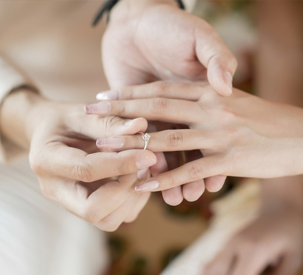 Фото №1 - Не простое украшение: почему нельзя снимать обручальное кольцо