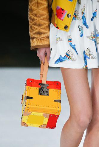 Фото №5 - Самые модные сумки сезона весна-лето 2019
