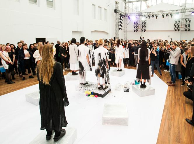 Фото №1 - Стартовала Неделя моды Aurora Fashion Week