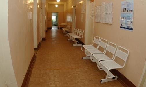 Фото №1 - Прокуроры не смогли попасть к врачам детских поликлиник Красносельского района
