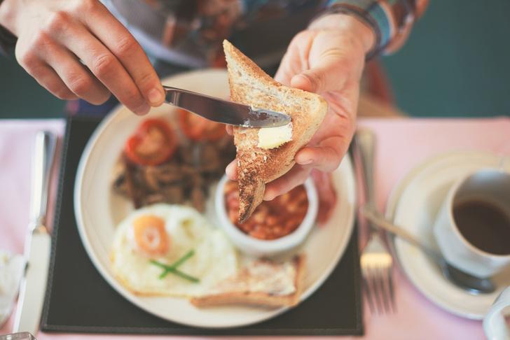 Фото №1 - Названо идеальное время для завтрака