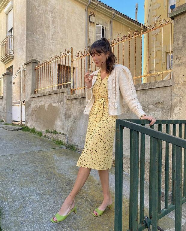 Фото №3 - Цветочное платье + «воздушный» кардиган: идеальный образ Жюли Феррери для романтического свидания
