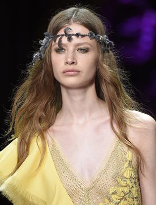 Фото №9 - Неделя Высокой Моды в Париже: Atelier Versace FW2015/16