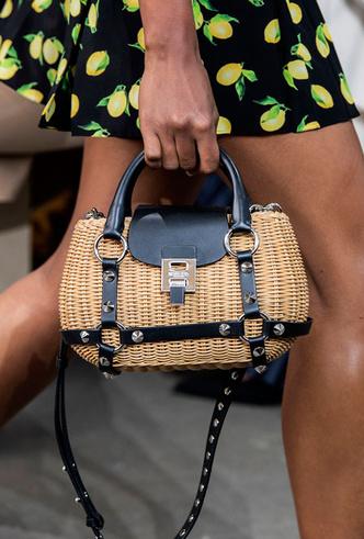 Фото №39 - Самые модные сумки весны и лета 2020