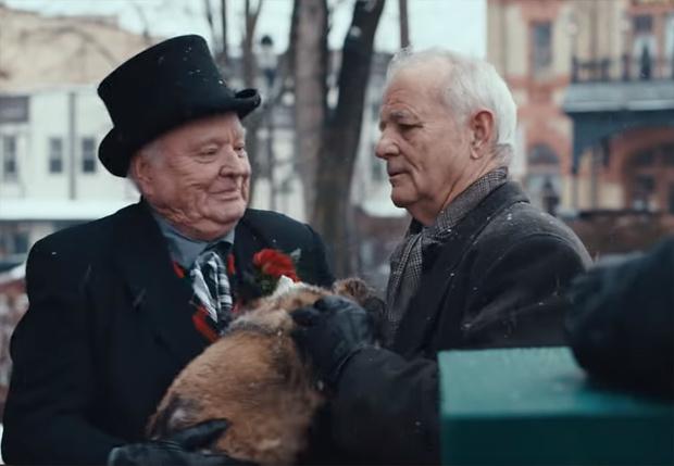 Фото №1 - Билл Мюррей вернулся в «День сурка» для рекламы на «Супербоуле» (видео)