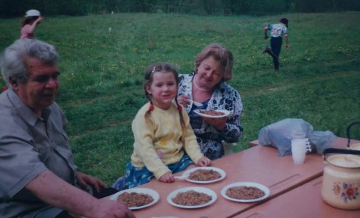 Наталья Суркова родила в 57 лет в молодости дочь биография