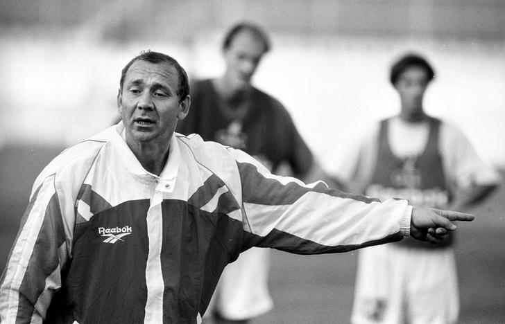 Фото №3 - Эту команду не спасти: чего добивалась наша сборная по футболу при каждом из 13 тренеров с 1992 года до сих пор