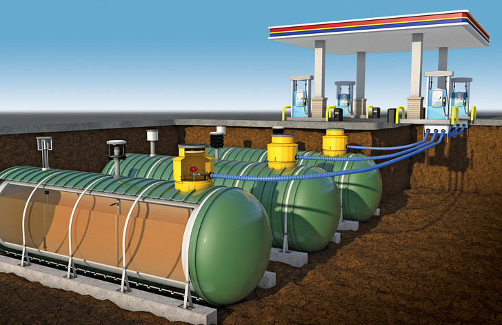 Фото №1 - Как устроена бензоколонка: видео о том, что творится под землей