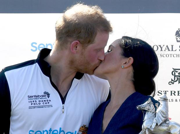 Фото №6 - Гарри и Меган – самая нежная королевская пара Великобритании