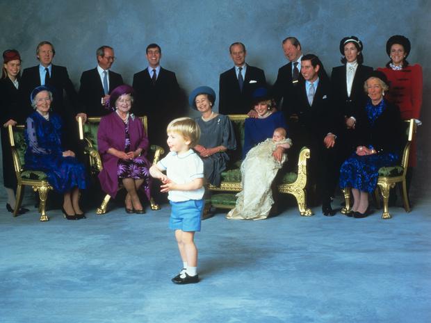 Фото №2 - Оскорбленные чувства: кто стал крестными принца Гарри, и что обидело принцессу Анну