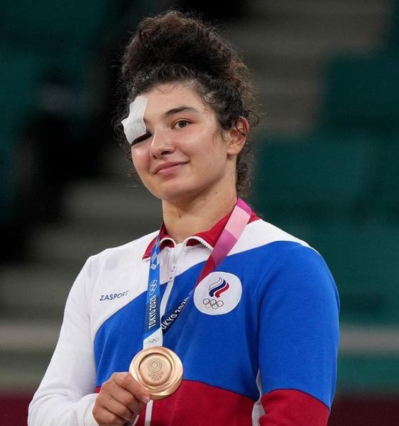 Фото №6 - Нет золота— нет мужа: как героическая борьба Мадины Таймазовой на Олимпиаде лишила ее свадьбы, но не воли к победе