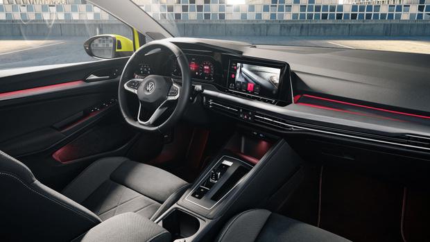 Фото №3 - Удар под дых: новый Volkswagen Golf обозначил российские цены