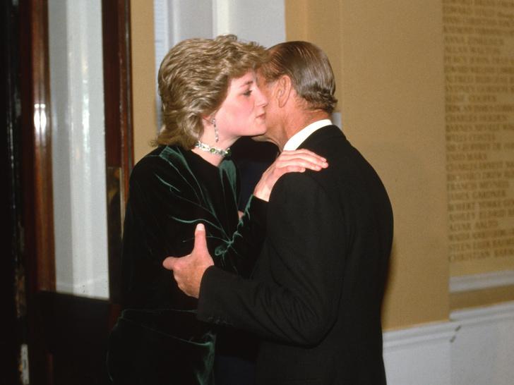 Фото №3 - Вторая дочь: как принц Филипп помогал Диане стать частью королевской семьи