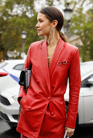 Фото №3 - Босс не будет против: как носить кожаные вещи в офис