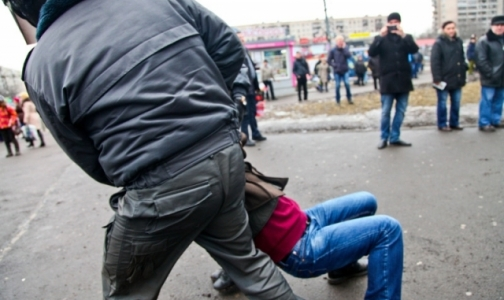 Фото №1 - Врачи шокировали полицейских, но были биты