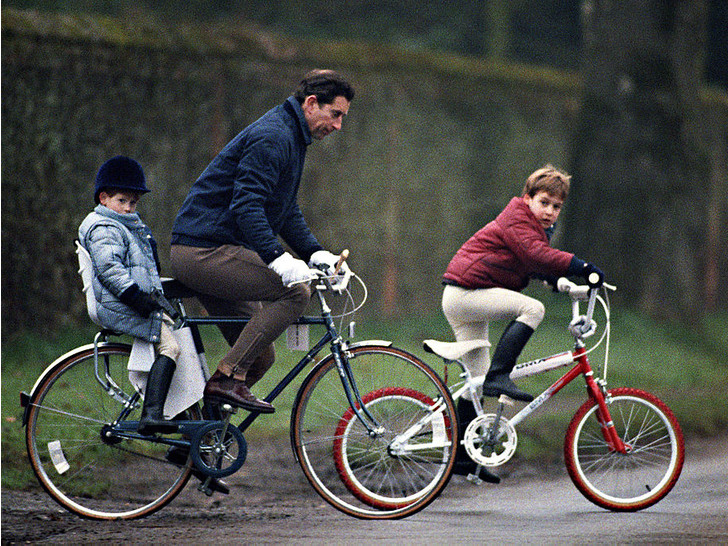 Фото №5 - Счастливые годы: самые трогательные фото принца Чарльза с сыновьями