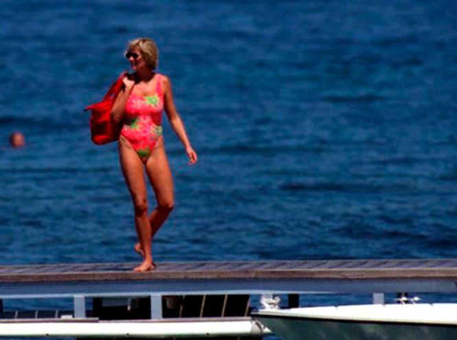 Фото №38 - Принцесса пляжа: бикини-стиль Дианы