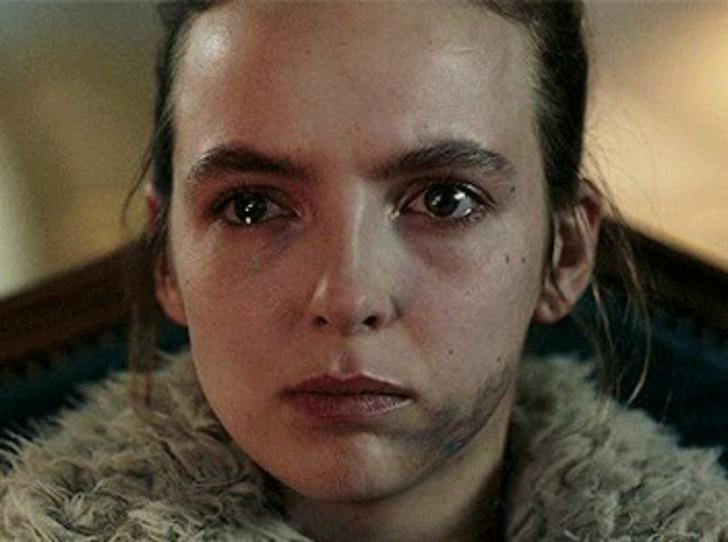 Фото №3 - Звезда сериала «Убивая Еву» не может устроить личную жизнь