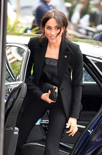 Фото №4 - Power-dressing от герцогини: новый брючный выход Меган Сассекской
