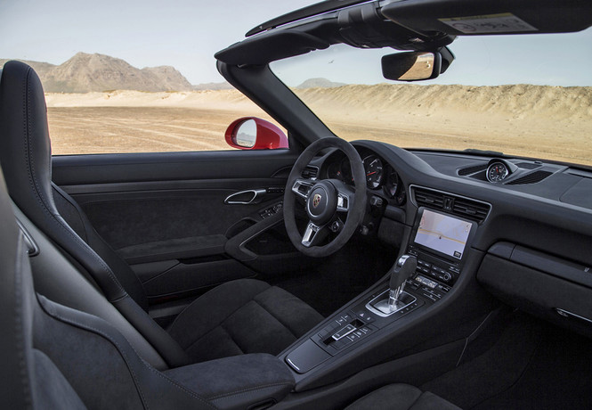 Фото №5 - Что значит надпись GTS на Porsche 911?
