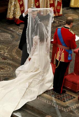 Фото №6 - Переволновался: принц Уильям и его странный юмор у алтаря