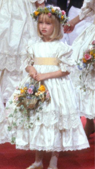 Фото №6 - 40 лет спустя: как сегодня выглядят и живут подружки невесты со свадьбы Дианы и Чарльза