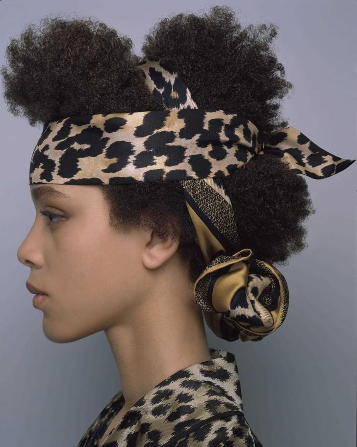 Фото №2 - 3 стильные укладки с платками Dior