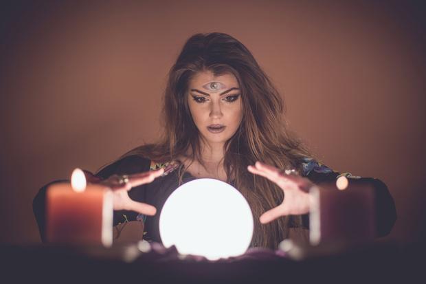Стоит ли верить гороскопам и проверять совместимость по знаку зодиака: объясняет астролог