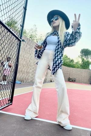 Фото №3 - Мадонна купила бывший дом рэпера Weeknd в Калифорнии