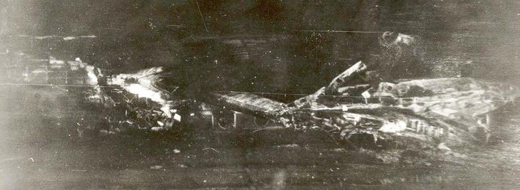 Фото №1 - Как советский пилот поспорил, что посадит самолет вслепую, и убил 69 человек