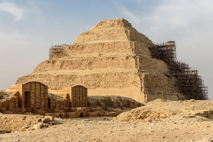 Фото №1 - В древнейшей пирамиде Египта во время разбора мусора нашли ценный артефакт