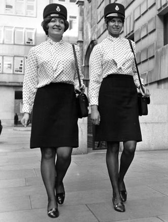 Фото №4 - Как менялась офисная мода: от классического костюма до латекса и кожи