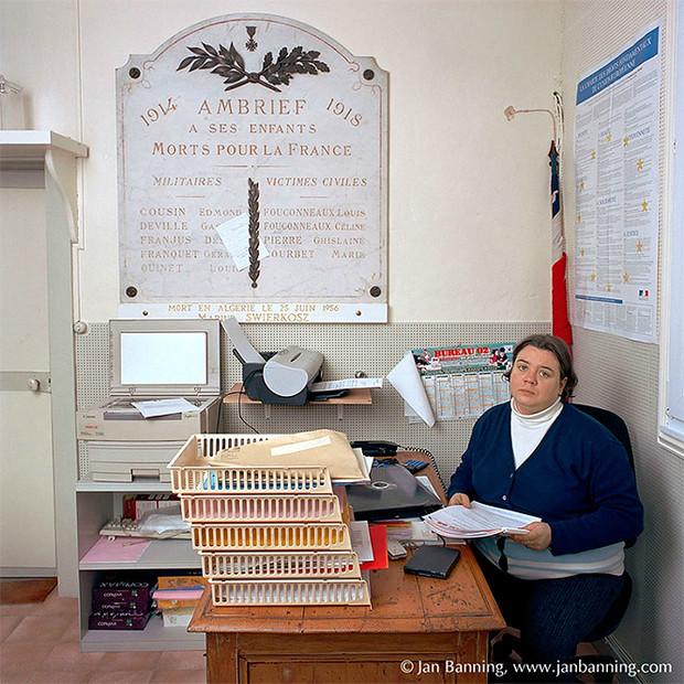 Фото №17 - Проходите, садитесь: кабинеты чиновников и служащих в разных странах