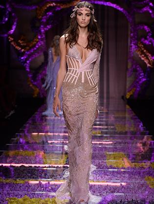 Фото №32 - Неделя Высокой Моды в Париже: Atelier Versace FW2015/16
