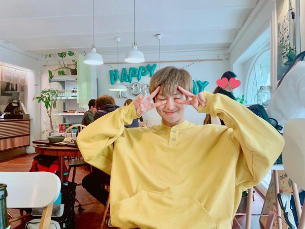 Фото №1 - ARMY снова сломают Твиттер? RM из BTS отмечает свой день рождения