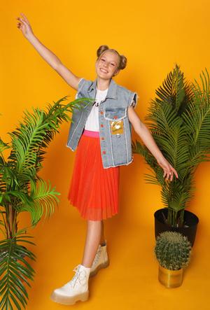 Фото №7 - Непростой выбор: где искать школьную одежду для осени 2020