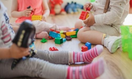 Фото №1 - В петербургском детском саду отравились 14 детей, у половины выявлен сальмонеллез
