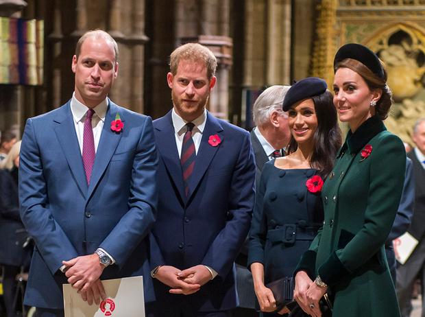 Фото №1 - Конец «Великолепной четверки»: зачем герцоги Кембриджские и Сассекские делят королевский двор