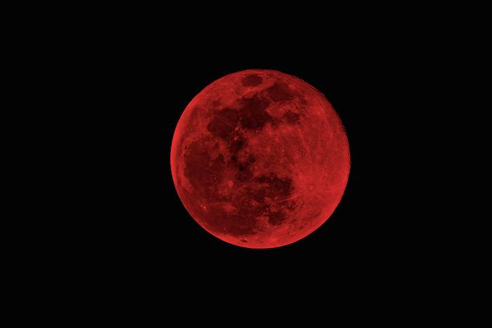 Фото №1 - 4 апреля состоится самое короткое лунное затмение века