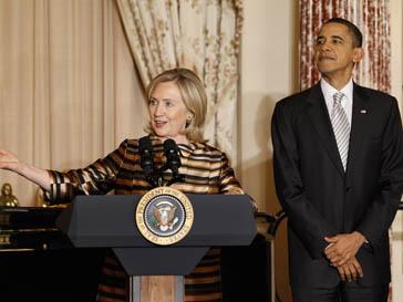 Хилари Клинтон (Hilary Clonton) и Барак Обама (Barak Obama) отчитаются перед конгрессом за Ливию
