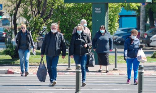 Фото №1 - Вакцинация всех спасет: Больше половины избежавших ковида россиян не боятся им заразиться