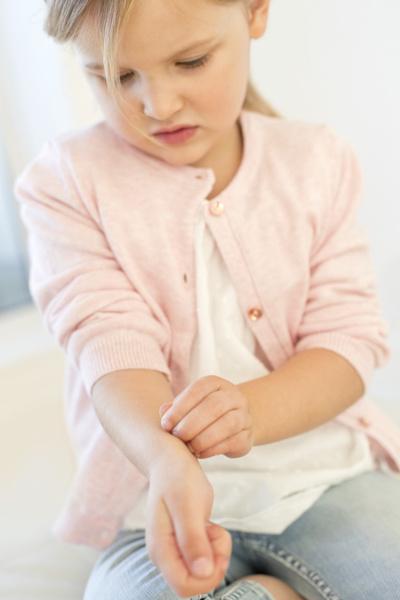 Фото №2 - Диатез у детей: о красных щеках, влажном климате и трудностях перевода
