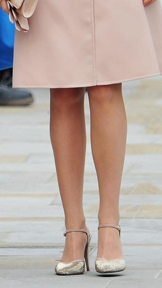 Foto #3 - De la Elisabeta a II-a la Printesa Beatrice: in ce pantofi s-au casatorit printesele