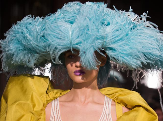 Фото №3 - Цветы и перья: Valentino Haute Couture SS18