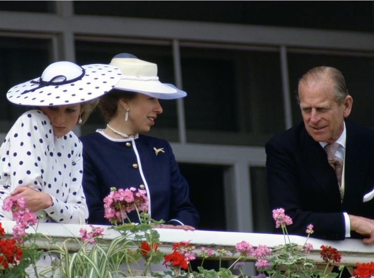 Фото №2 - Письма гнева: как принц Филипп пытался морально «уничтожить» Диану